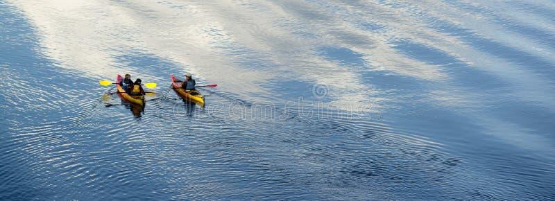 Kayaking Fluss stockbilder