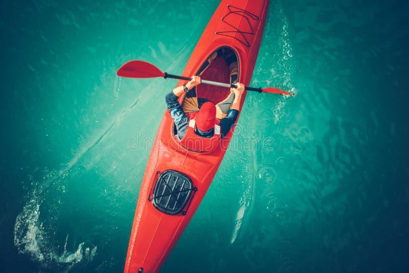 Kayaking flyg- sikt för sjö royaltyfri fotografi