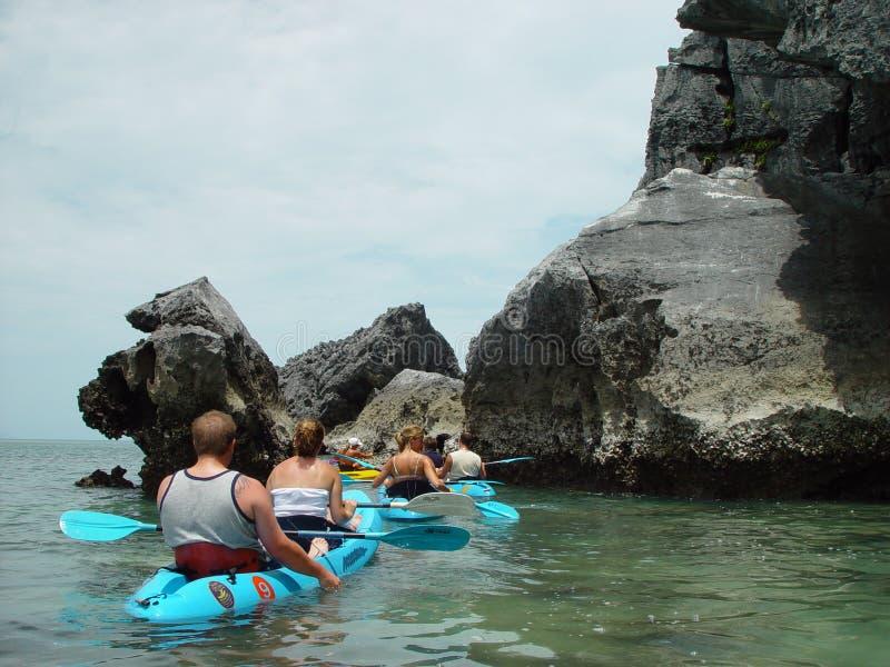 kayaking hav royaltyfri foto
