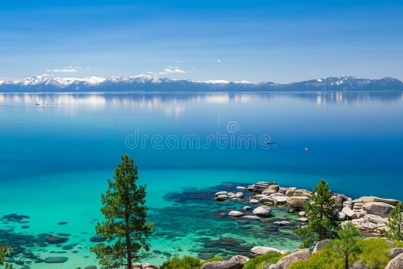 Kayaking Lake Tahoe royaltyfri fotografi