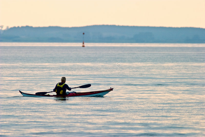 Kayaking Meer stockbild