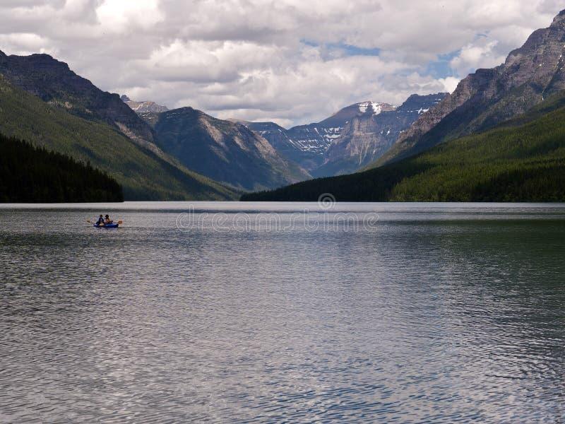 Kayaking nel lago bowman immagini stock libere da diritti