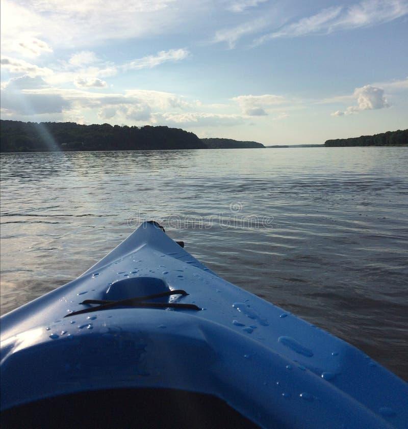 Kayaking no rio Mississípi fotos de stock royalty free