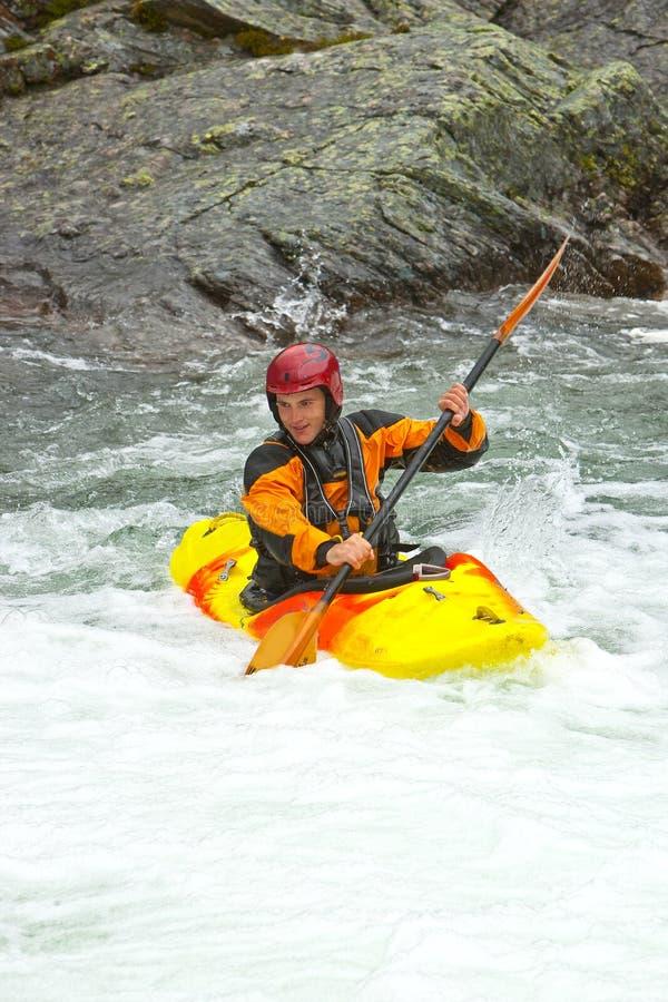 Kayaking in Noorwegen royalty-vrije stock afbeelding