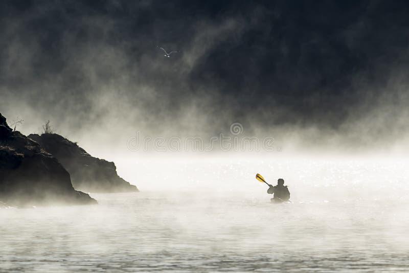 Kayaking w wczesnym Grudniu obrazy royalty free