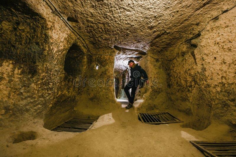 Kaymakli innehålls den underjordiska staden inom citadellen av Kaymakli i den centrala Anatolia Region av Turkiet royaltyfri foto