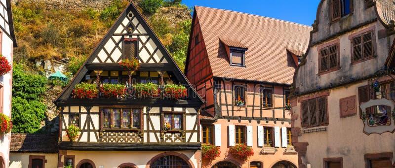 Kaysersberg - un des villages les plus beaux de la France, Alsace images stock