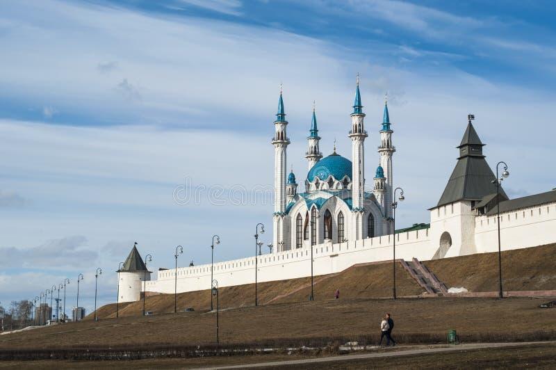 Kazán el Kremlin, vista de la mezquita de Kul-Sharif fotos de archivo