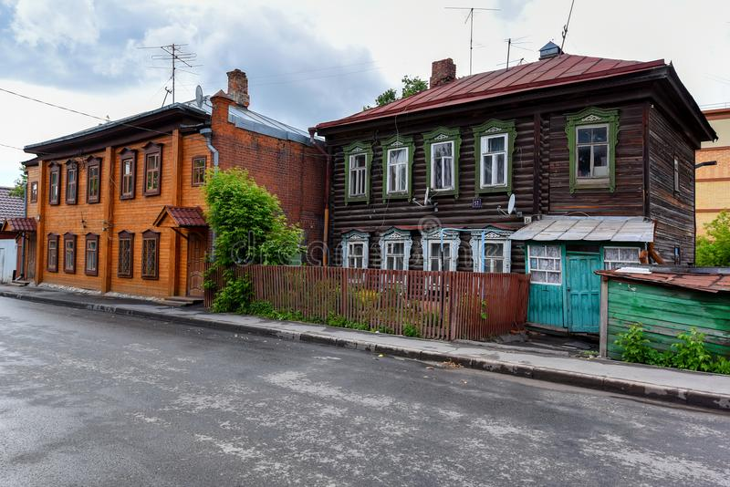 KAZÁN, RUSIA - 5 DE JUNIO DE 2016: Casa tártara vieja colorida en Kazán, Rusia fotografía de archivo