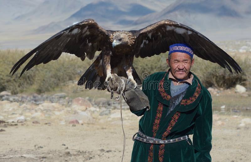 Kazakh Eagle Hunter 6 arkivfoton
