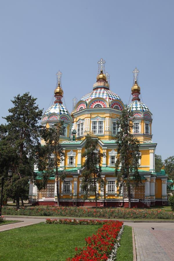 kazakhstan almaty Catedral da suposição em Kazakhstan imagem de stock