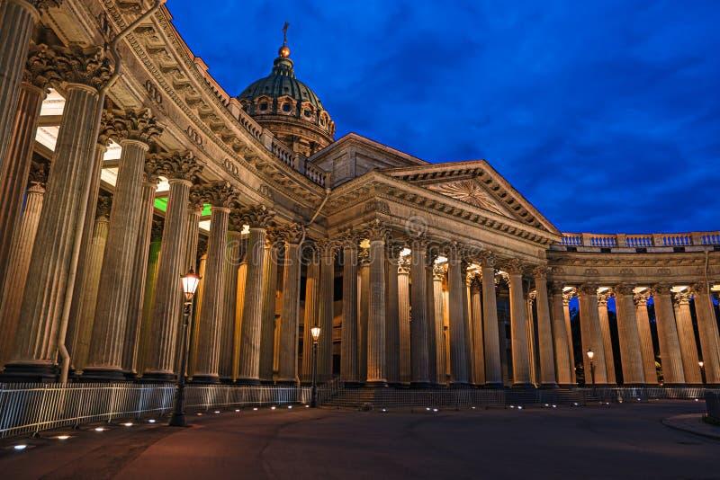 Kazan καθεδρικός ναός τη νύχτα, Άγιος Πετρούπολη, Ρωσία στοκ εικόνα