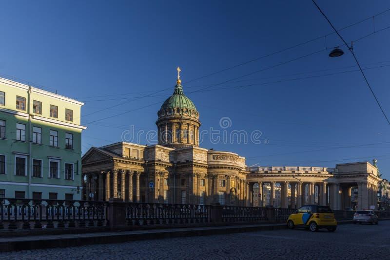 Kazan domkyrka i St Petersburg på soluppgång, Ryssland arkivfoton