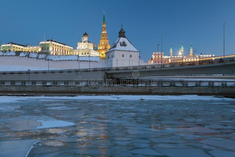 Kazan Kremlin dans la soirée d'hiver image stock