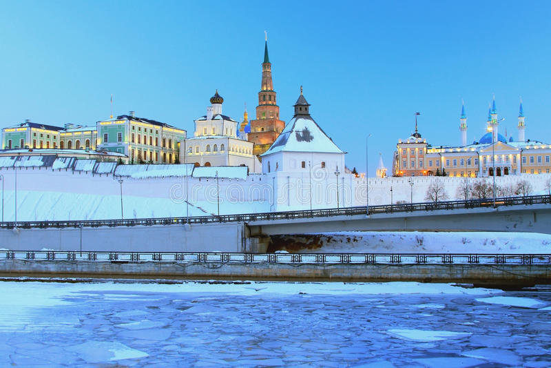 Kazan Kremlin, kompleks gubernatora pałac, północna skrzynka Armatni jard, Qol Sharif meczet zdjęcie stock