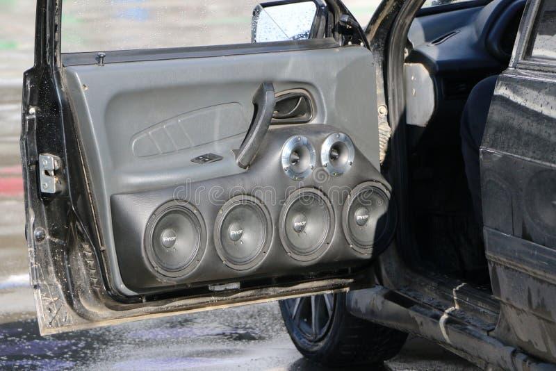 KAZAN, RÚSSIA, O 29 DE ABRIL DE 2018: Feira automóvel - auto som 2018 foto de stock royalty free