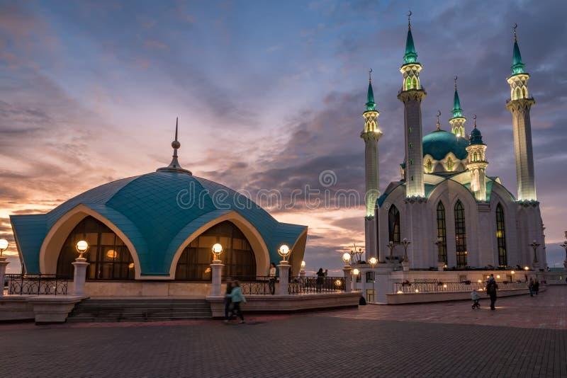 kazan Rosja Kula Sharif meczet w Kazan Kremlin przy zmierzchem zdjęcie royalty free