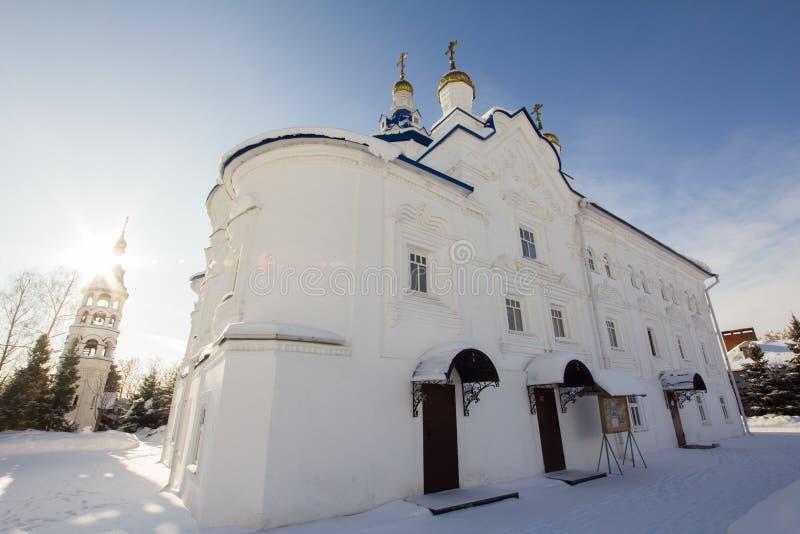 Kazan, Russie, le 9 février 2017, monastère de Zilant - église orthodoxe - la cour pour des moines photo stock