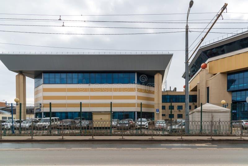 Kazan Ryssland - Mars 28 2017 Komplex Korg-korridor för sportar på den Spartakovskaya gatan arkivfoton
