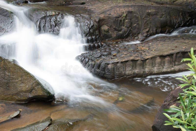 Kbal Spean водопад тайны на ряде гор Kulen старой империи кхмера в провинции Siem Reap Камбоджи стоковое фото
