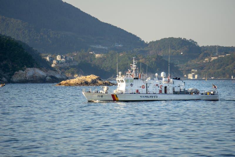 KCG Haenuri 116, de de kustwachtzeilen van Zuid-Korea langs het overzees stock afbeelding