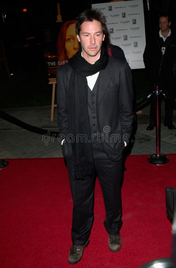 Keanu Reeves. Actor KEANU REEVES at the Los Angeles premiere of his new movie The Gift. 18DEC2000. Paul Smith / Featureflash stock image