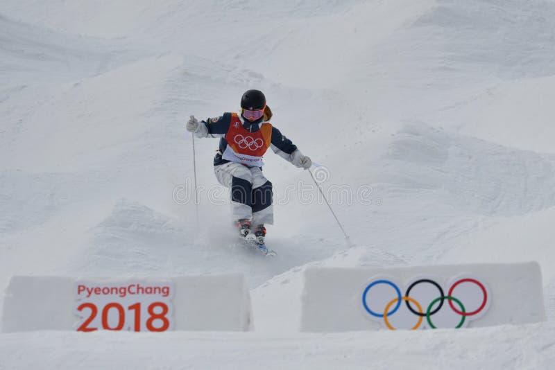 Keaton McCargo van de Verenigde Staten concurreert in de Kwalificatie van Dames` Mogollen bij 2018 de Winterolympics royalty-vrije stock afbeelding