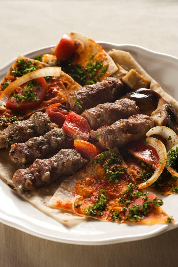 Kebab de Shish, cocina libanesa. foto de archivo