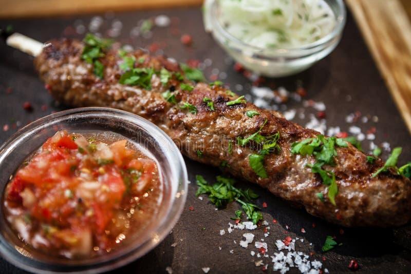 Kebab Lula с сальсой томата стоковое фото rf