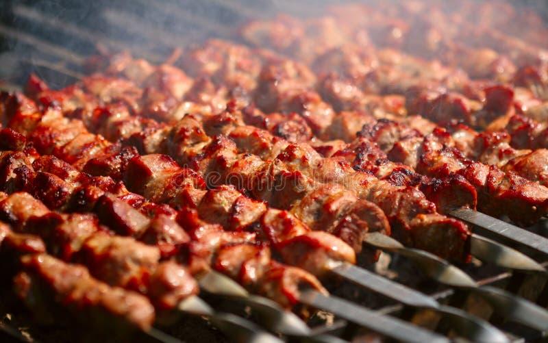 Kebab op de grill stock afbeelding