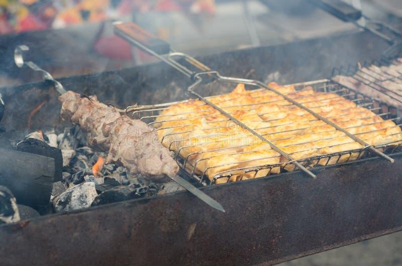 Kebab sugli spiedi fotografia stock