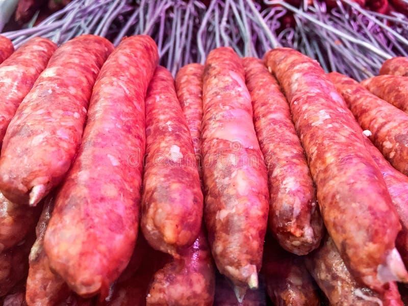 Kebab tradicional turco crudo de Sish, carne, carne de vaca, bola de carne lista para el cocinero en un restaurante fotografía de archivo
