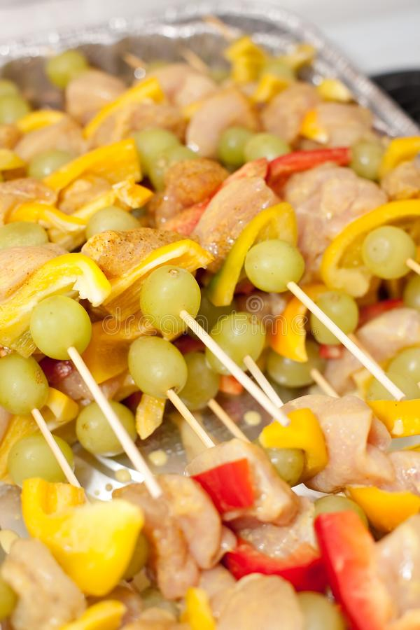 Kebabs photo stock image du frais grill assiette for Cuisinier kebab
