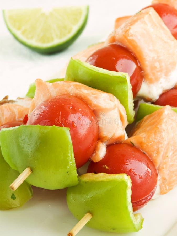 Download Kebabs 库存照片. 图片 包括有 kebab, 自创, 三文鱼, 特写镜头, 石灰, 苹果酱, 膳食 - 15699488