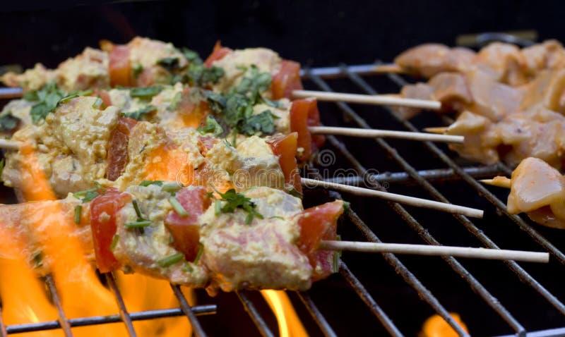 Kebabs del pollo del BBQ fotografia stock libera da diritti