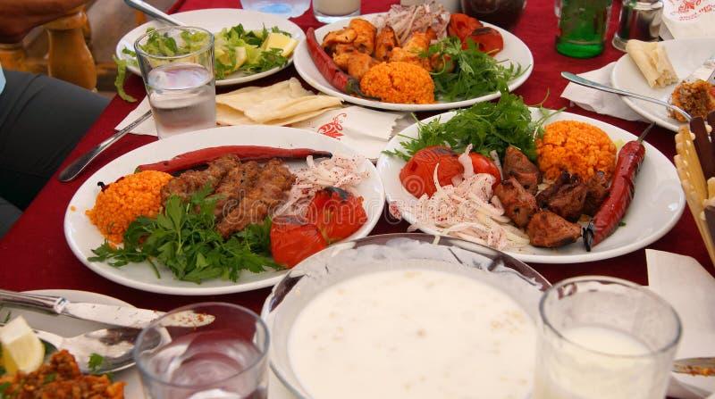 Kebabs i gruchów gruchy, pieprzymy zdjęcie royalty free