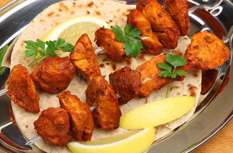 Kebabs indios de Tikka del pollo imagen de archivo
