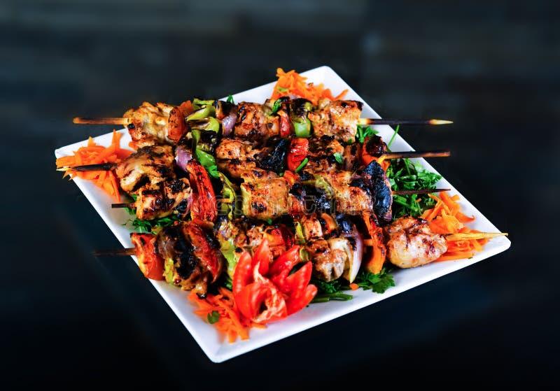 Kebabs piec na grillu zdjęcie royalty free