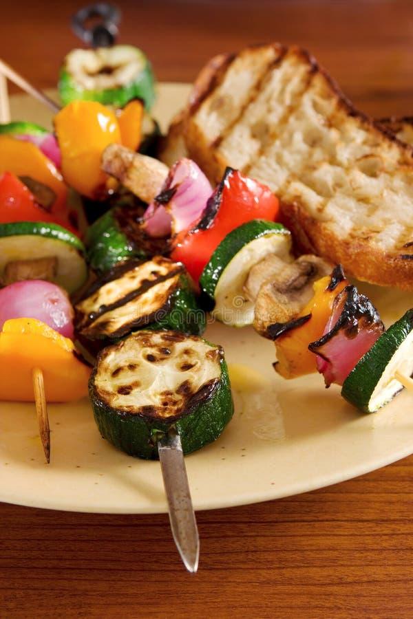 Kebabs vegetais fotos de stock