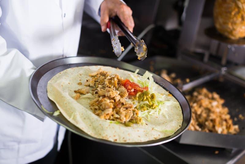 Kebabvlees in restaurant royalty-vrije stock afbeelding