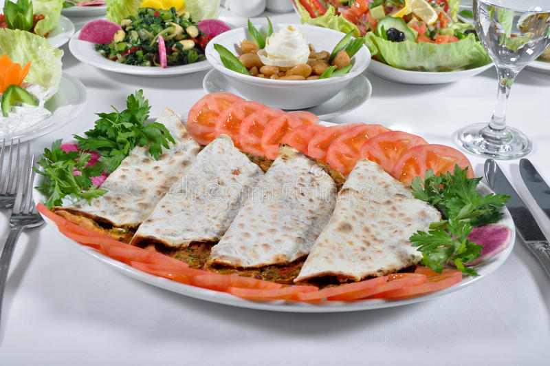 Kebap turco do lahmacun fotografia de stock