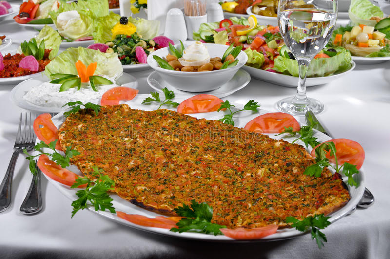 Kebap turco do lahmacun fotos de stock royalty free