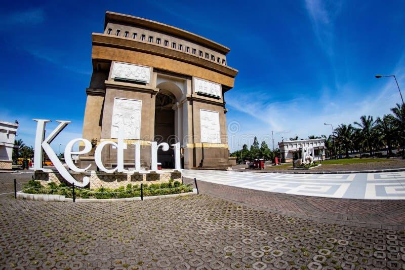 Kediri Indonesien - mars 20, 2018: Monument Simpang Lima Gumul arkivbilder