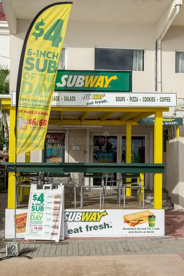 Kedja för gångtunnelrestaurangsnabbmat i Philipsburg Sint Maarten royaltyfri foto