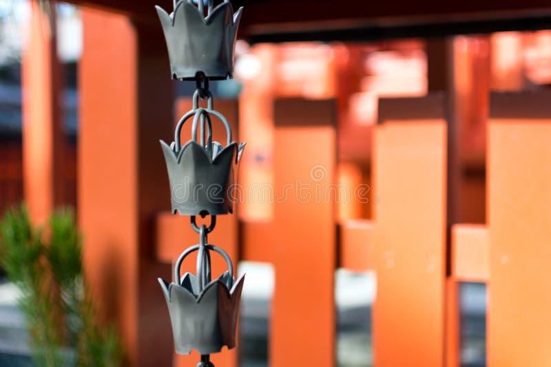 Kedja-klocka på den Tenryuji templet royaltyfria foton