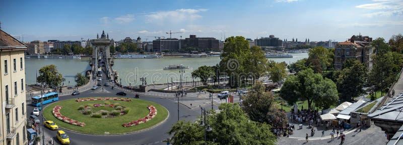 Kedjebron i Budapest royaltyfria foton