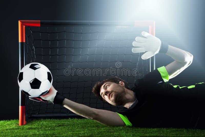 Keeper die een hoekschop verdedigen Voetbal Fotballgelijke Kampioenschapsconcept met voetbalbal stock foto's