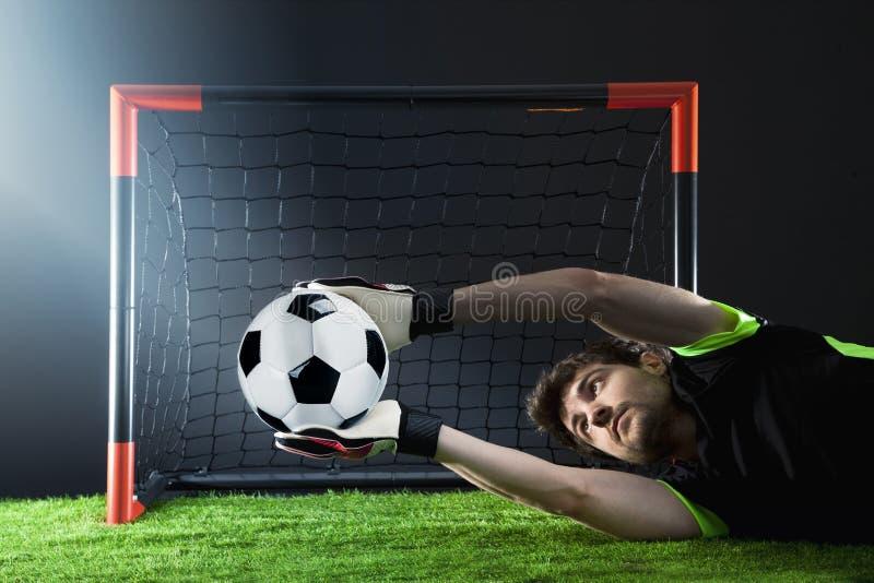 Keeper die een hoekschop verdedigen Voetbal Fotballgelijke Kampioenschapsconcept met voetbalbal royalty-vrije stock foto