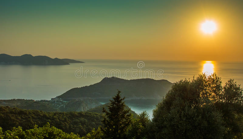 Kefalonia-Sonnenuntergang-ionische Inseln Griechenland lizenzfreie stockfotografie