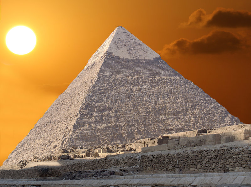 Kefren Pyramide und die Sonne stockfotografie